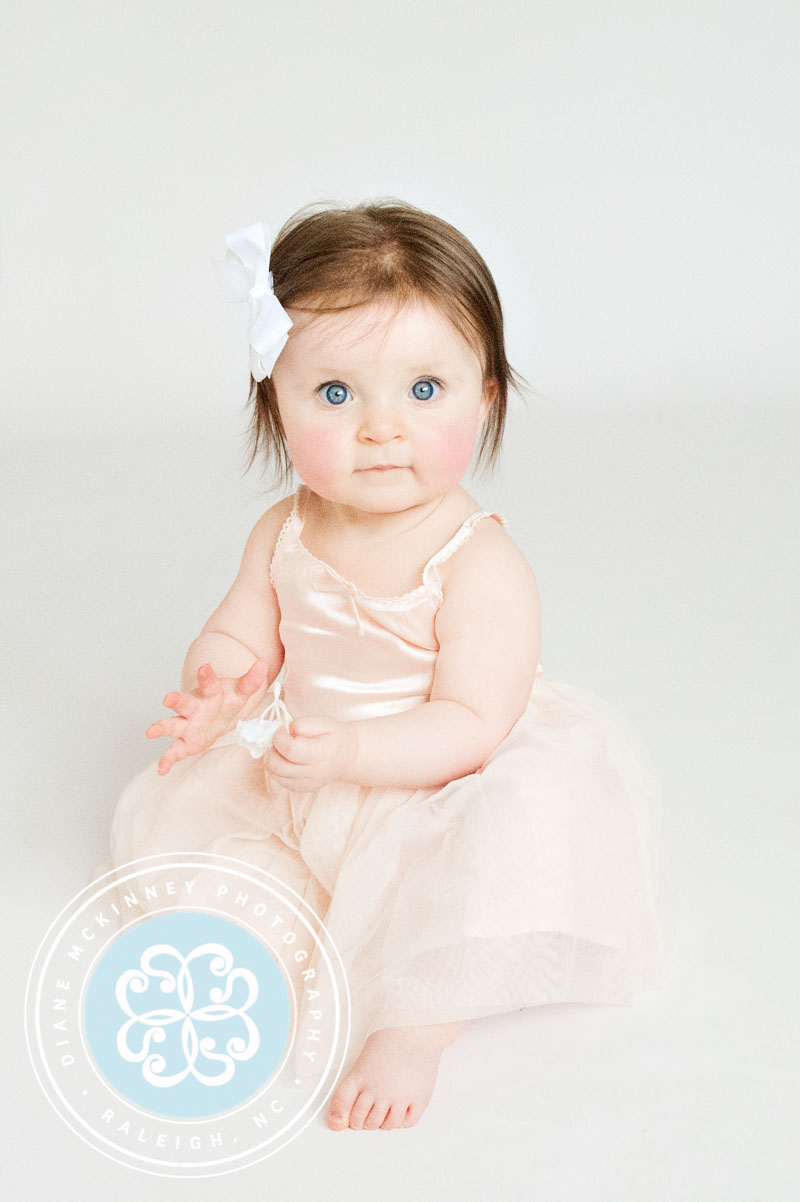 Baby S is 9 mths old! | Child photography