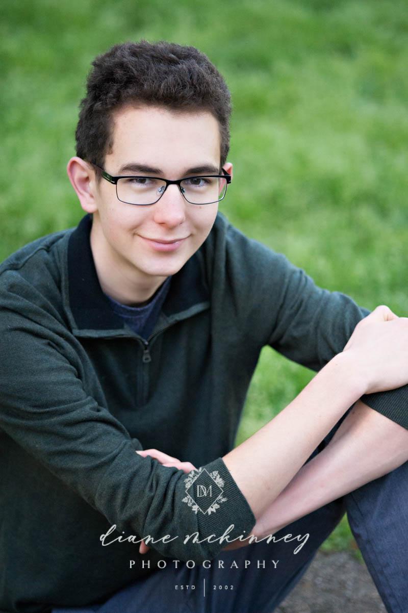 high school senior photos boy